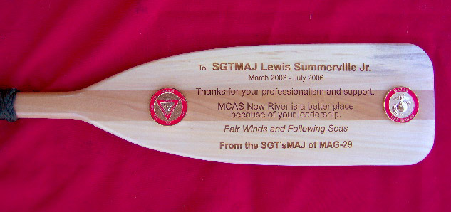 Add a special touch to your oar plaque have the entire crew
